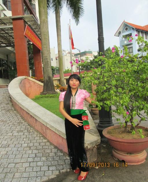 Gương sáng học trò vùng cao, nữ sinh trường THPT Chà Cang, huyện Nậm Pồ.