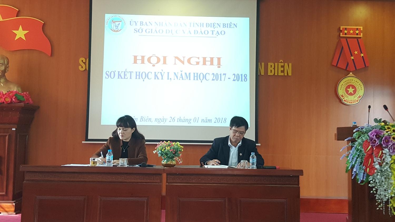 Lãnh đạo Sở Giáo dục và Đào tạo điều hành Hội nghị